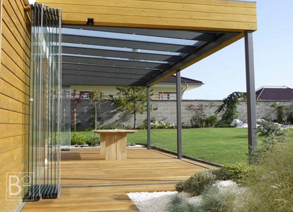 Glazen vouwwanden voor een open of gesloten terras